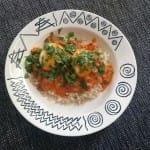 Vegetarische curry met ei en bloemkoolrijst